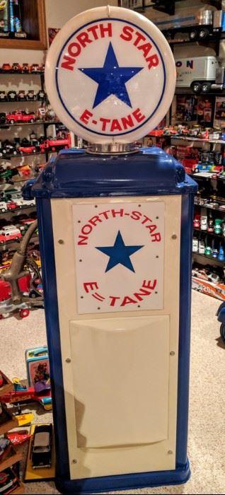 Wayne model 70 restored North Star gas pump display.