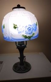 ALADDIN LAMP IRON BASE PAINTED GLASS SHADE