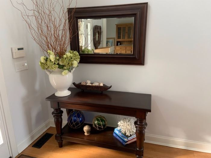 ENTRY/HALL MIRROR WITH MATCHING CONSOLE TABLE