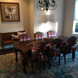 Beautiful Dining Table with 6 Chairs, New