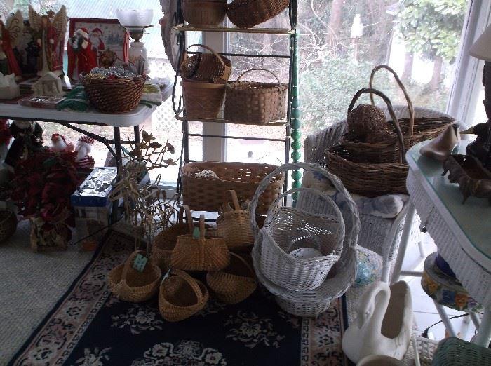 Baker's rack and split oak baskets