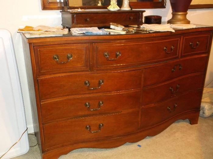 Bow front mahogany dresser