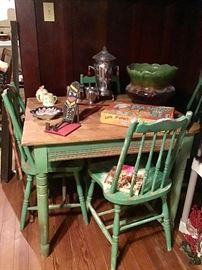 Cute Green Kitchen table and four chairs
