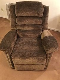 Jackson furniture cat nap recliner               https://ctbids.com/#!/description/share/98822