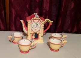 Dept. 56 Hickory Dickory Dock Tea set