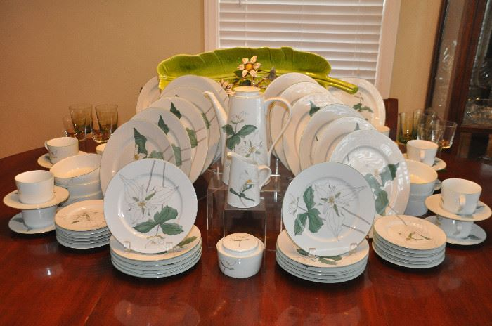 Fantastic complete service for 12,  six piece place setting with many extras  Block Spal Watercolors Trillium by Mary Lou Goertzen