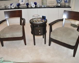 Wonderful pair of mahogany arm chairs and matching side table perfect for a sitting area!