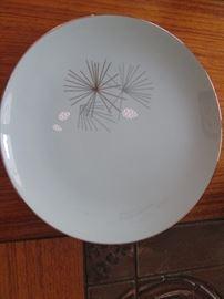 Franciscan Silver Pine Dish Detail
