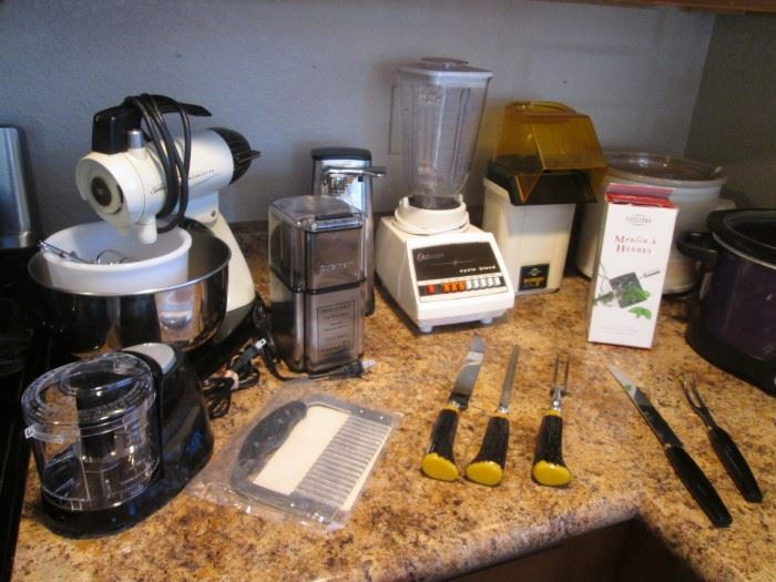 Small Appliances and Carving Sets