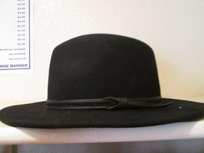 "Men's Felt Hat by Country Gentlemen ""Outback"" Style"