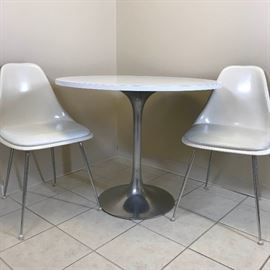 Tulip Table and Chairs https://ctbids.com/#!/description/share/102135