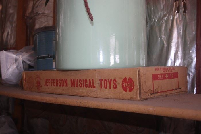JEFFERSON MUSICAL TOY