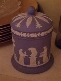 Wedgewood small Covered Jar