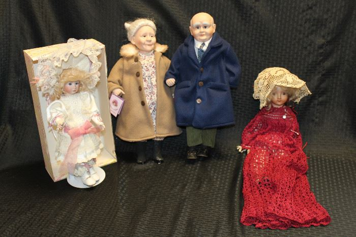 elderly people dolls