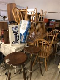 Dinette table & chairs; bar stools