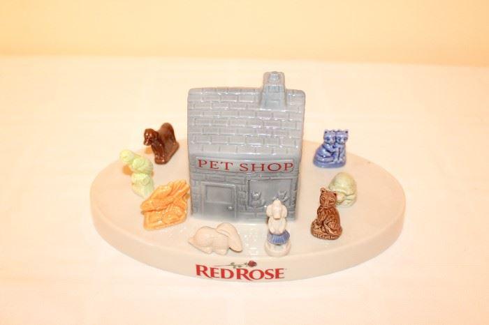 Ware Red Rose Tea Pet Shop & Figurines