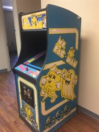 1981 Ms Pac Man--Works perfectly