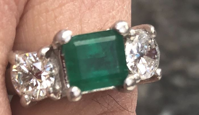1.6 Kt. Emerald Ring with .75 diamonds