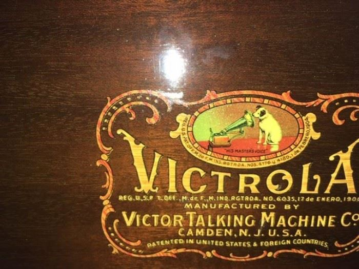 Victrola Talking Machine  Camden N.J. - in working condition from 1903.