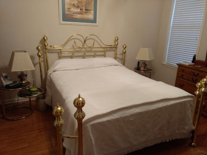 This bed is beautiful but DOES NOT come with the mattress and box springs!!