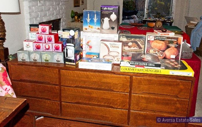 NEW Kitchenware in BOXES