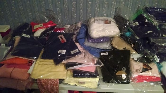 new women's clothing size M & L  thousands of pieces