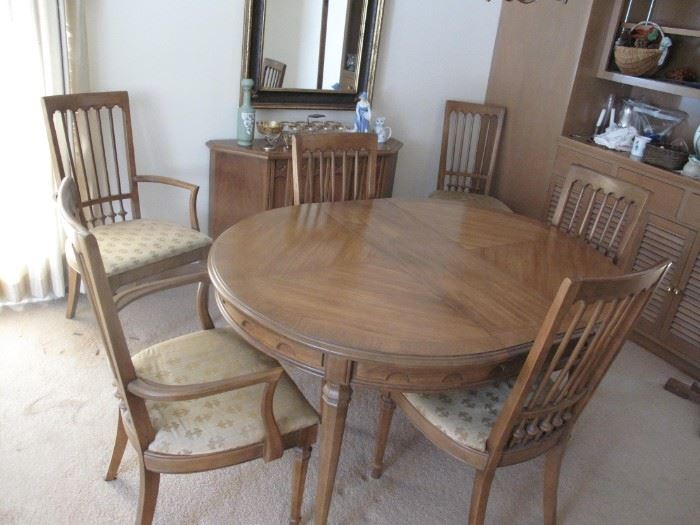 Dining Table 6 Chairs 3 Leaves & Pads