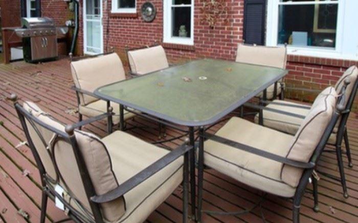 great patio table set (umbrella too)