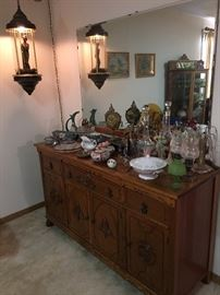 Clean Buffet / Sideboard