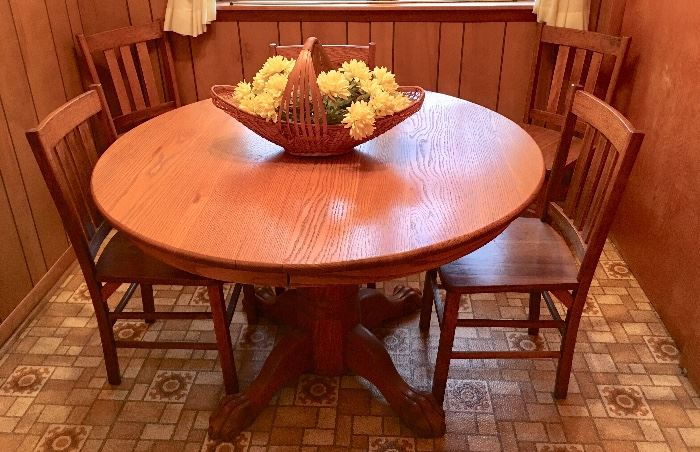 Solid Oak Kitchen Table & 5 Chairs