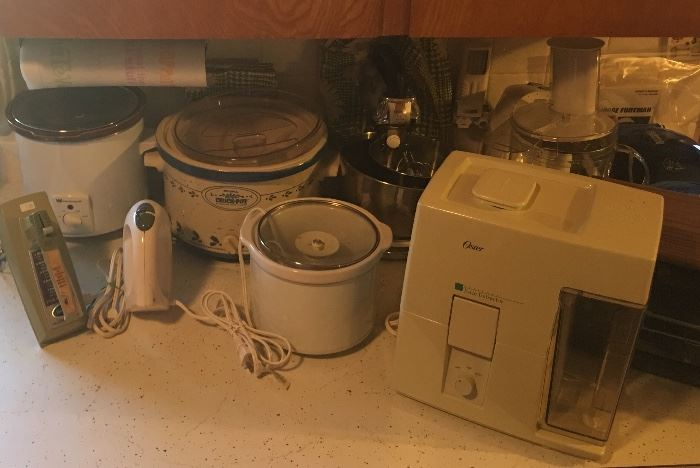 Crock Pot Slow Cookers, Blenders, Toasters, Fry Daddy