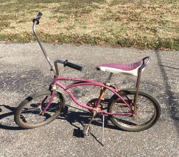 Vintage Schwinn Bicycle *Not locked up! Needs new tires- PRICE REDUCED!!!
