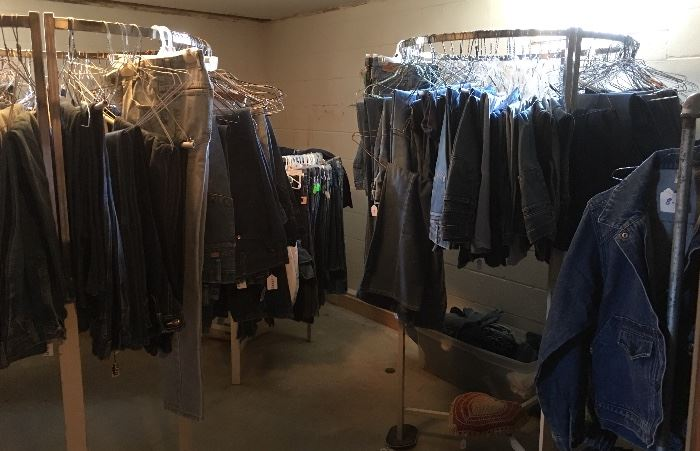 All Vintage Denim Blue Jeans Are Just $1 each!!! (Jean Jackets Priced Separately) Hundreds of Pairs! Unbelievable Selection!