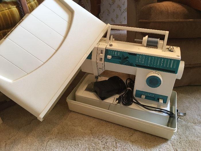 Singer Sewing Machine Model 9410