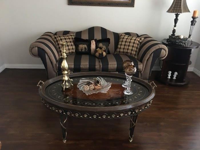 Beautiful Sofa and Spectacular Decorative Table