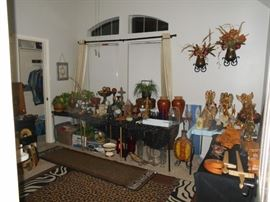 Lots of current decor items