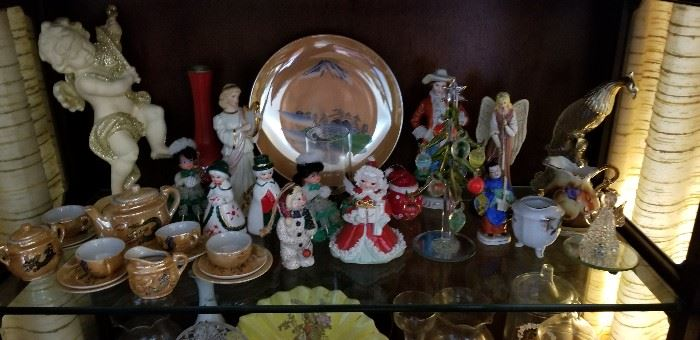 Figurines/Collectibles