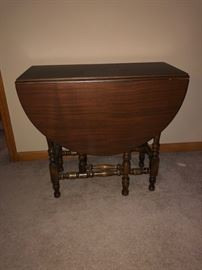antique oval drop leaf table