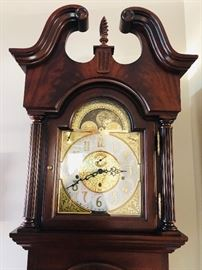 Sligh Grandfather Clock, Keeps time, Beautiful Chime with Key