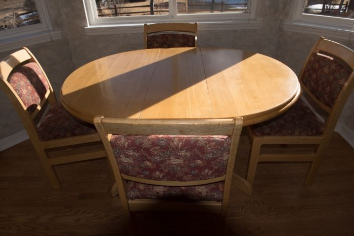 Blonde Oval Kitchen Table And Chairs