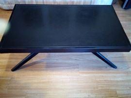 040 castro convertible table