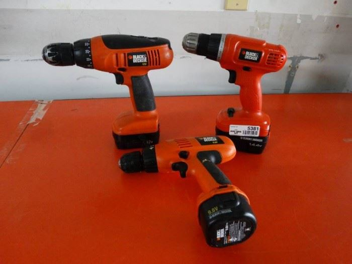 3 Black and Decker cordless drills, 9.6, 12, 14.4v ...
