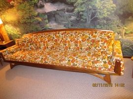 MCM SOFA, NOTE THE LEGS ON THIS BEAUTY, Koehler mfg