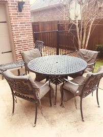 Black iron patio set
