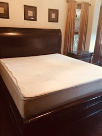 Tempurpedic king mattress - like new