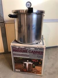 22-Qt Pressure Cooker/Canner