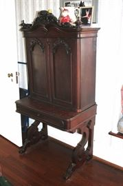 Writing Desk/Hutch