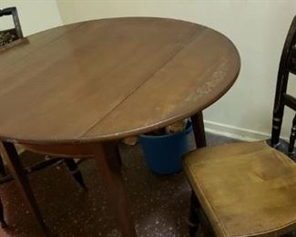 Hitchcock Dropleaf Table w/ 2 Chairs