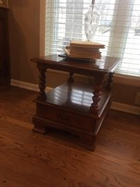 Ethan Allen end table (vintage)