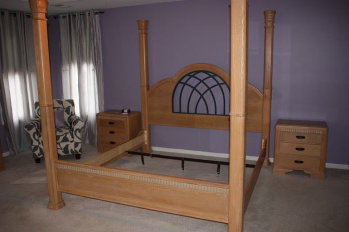 Broyhill King bed
